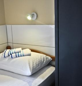 Flow-House.com - Dorm room 1