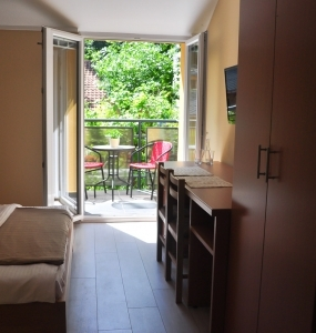 Flow-House.com - Studio Apartment 8a