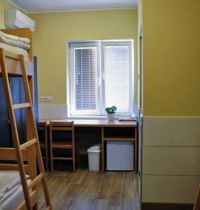 Flow-House.com - Dorm room 2